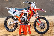 ktm sxf 450 2018 ktm 450 sx f factory edition look 9 fast facts