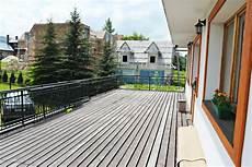 Balkonbelag Wetterfest Und Wasserdicht Aus Kunststoff Holz