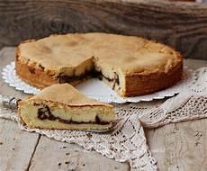 crostata crema pasticcera e nutella crostata chiusa crema pasticcera e nutella morbida dolce speciale ricette nutella idee