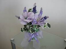 fiori finti fiori fiocchi e fantasia composizione fiori finti e carta