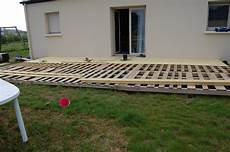 construire une terrasse en palette terrasse en bois palette safally terrasse en bois