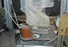 fuite bac a fuite lave vaisselle whirlpool contacter leur sav