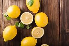 Deshalb Solltest Du Dir Eine Zitrone Neben Dein Bett Legen