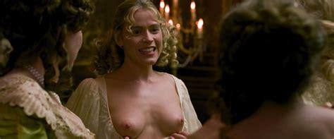 Kate Capshaw Nude