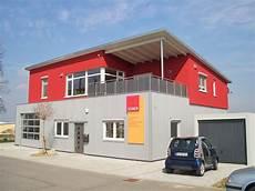 werkhalle und wohnung mit pultdach holzbau breckel