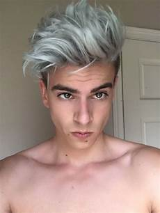 couleur cheveux gris argenté coiffure homme gris argent 233