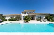 villa contemporaine avec piscine tanneron tarifs 2019