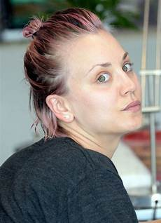 Kaley Cuoco W No Makup Getting Nails Done Then Out In