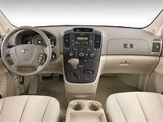 all car manuals free 2009 kia sedona interior lighting 2008 kia sedona kia minivan review automobile magazine