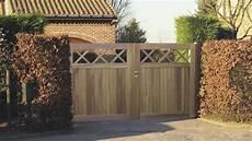portail en bois veranclassic bois de jardin portes et cl 244 tures