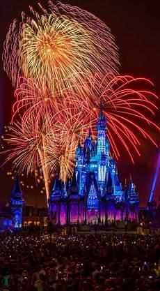Disney Wallpaper Iphone Xr free disney iphone wallpapers disney tourist