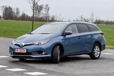 Toyota Auris Hybrid Gebraucht Test St 228 Rken Schw 228 Chen