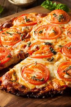 blumenkohl rezepte low carb low carb pizza mit blumenkohl boden in 2019 low carb