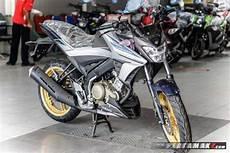 Modifikasi All New Vixion R by Modifikasi All New Yamaha Vixion 2017 Dengan Velg Emas