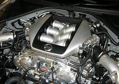 AJ  Nissan GT R