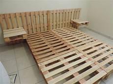 tete de lit palette de bois construisez votre propre lit en palettes home ideas lit en palette lit palette bois et