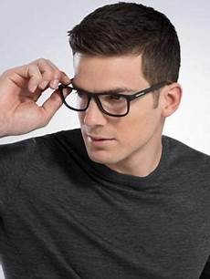 20 photo of short haircuts for people with glasses
