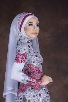Variasi Model Kebaya Muslim Modern Yang Nge Hits Saat Ini