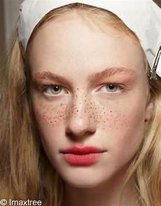 maquillage visage avec tache de rousseur russenko maquillage