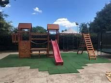 pavimento parco giochi pavimenti esterni per parco giochi realizzati in gomma