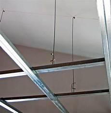 struttura cartongesso soffitto controsoffitto di cartongesso per ribassare il soffitto