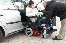 caronygo combinaison chaise roulante chaise caronygo combinaison chaise roulante chaise tournante