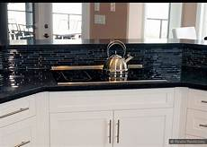 Kitchen Backsplash Black Countertop by Tile Backsplash With Black Cuntertop Ideas White Cabinet