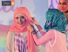 Gaya Jilbab Cantik Dengan Bando Bunga Foto 4 Co Id