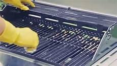 grill reinigen hausmittel grillrost reinigen mit hausmitteln alufolie alte
