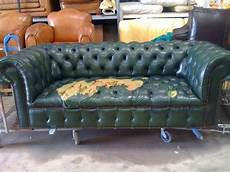renovation canapé cuir r 233 novation canap 233 chesterfield neocuir