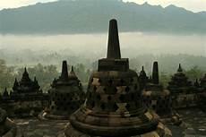 Candi Borobudur Dan Sejarahnya Tempat Wisata Foto