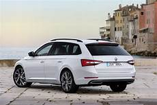 Superb S Sporty Side škoda Superb Combi Sportline Debut