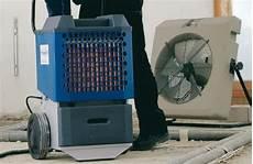 viele raumtrockner bei zu hoher luftfeuchtigkeit und