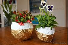 blumentopf selber basteln goldiger blumentopf aus butterbrotpapier handmade kultur