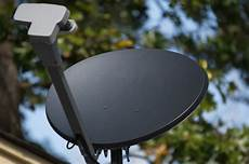 parabole satellite d interieur comment choisir la bonne antenne satellite