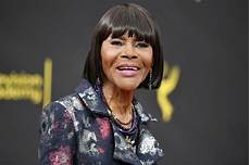 Cicely Tyson Cicely Tyson Receives Peabody Career Achievement Award As