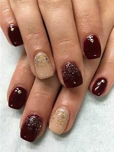 Gelnägel Bilder 2017 - 28 burgundy nails with gold design