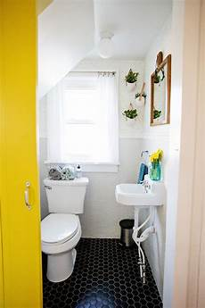 how to decorate a tiny bathroom a budget