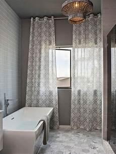 bad vorhang badvorhang tipps und wie man die wahl f 252 r das fenster