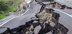 Pengertian Gempa Bumi Dan Faktor Penyebabnya Simplenews05
