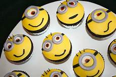minion cupcakes backen deko minions