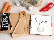 diy kochbuch mit tafelfolie und handletterin kochbuch