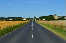 route sens photos illustrations et vid 233 os de quot sens quot