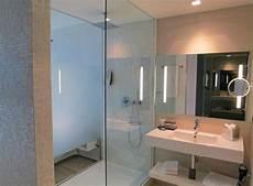 bad und dusche badezimmer mit grosser dusche bild barcel 243 hamburg