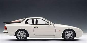 AUTOart 1985 Porsche 944 Turbo  Alpine White 77958 In
