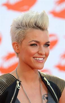 Womens Mohawk Hairstyle 15 gorgeous mohawk hairstyles for this year