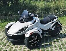 motorrad mit 3 räder dreirad can am spyder muss nicht alles haben auto