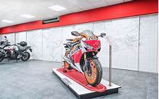 Agencement D Un Concession Moto Honda 224 Toulon 83