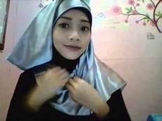 Tutorial Jilbab Satin