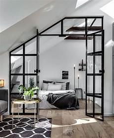 wohnzimmer schlafzimmer trennen industrieller baldachin um ein schlafzimmer vom